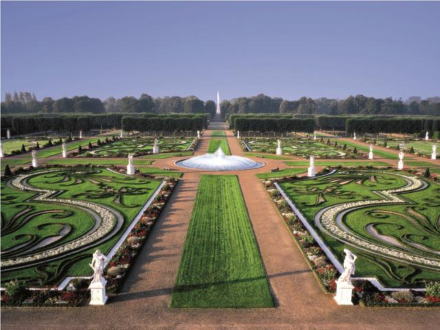 Hannoverben, a pompás királyi kertekben órákig bóklászhat