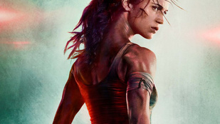 Igazi photoshop-katasztrófa az első Tomb Raider-plakát