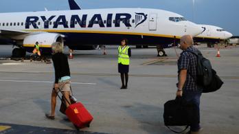 Nyilvános az összes törölt Ryanair-járat
