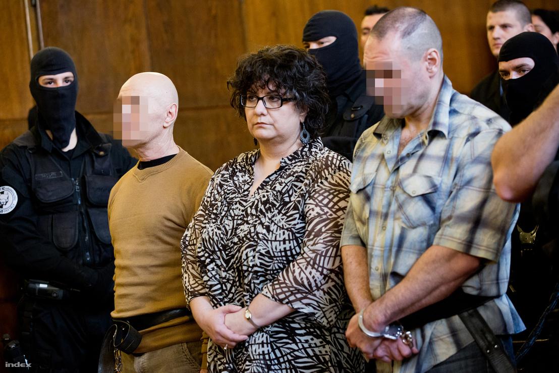 Rohac (bal szélen) az Aranykéz utcai robbantás ügyében tartott tárgyalás ítélethirdetésén 2016 március 31-én.