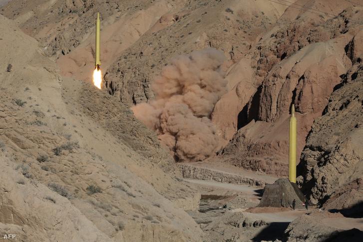 Az iráni Forradalmi Gárda teszteli a 2 Kadr H típusú rakétát 2016. március 9-én
