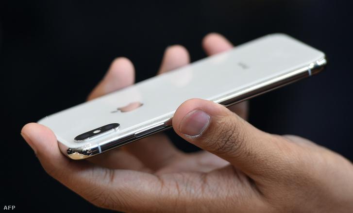 Az iPhone 10 hátlapja