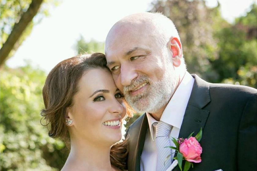 Imádja 20 évvel idősebb férjét a magyar énekesnő