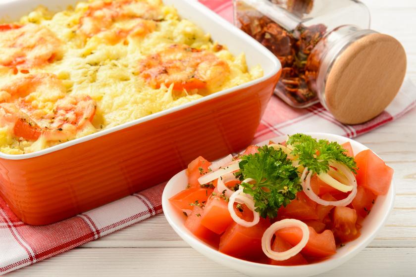 Különleges olasz rakott krumpli fűszeres, paradicsomos szósszal és sok sajttal