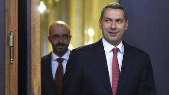 Lázár: Október elején indul a nemzeti konzultáció a Soros-tervről