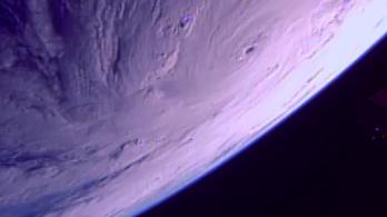 Az űrből is látszik a Maria hurrikán