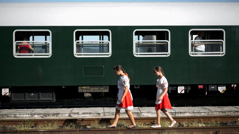 Tömegével hagynák el Kárpátalját a magyar fiatalok