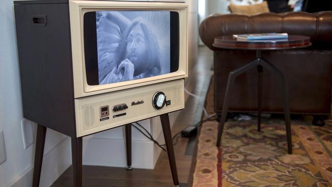 1969 dollárért bérelheti ki Lennon és Yoko Ono egykori szállodai szobáját