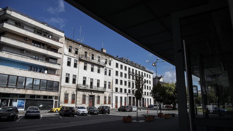 Lebontják a pártbizottság egykori székházát a volt Köztársaság téren