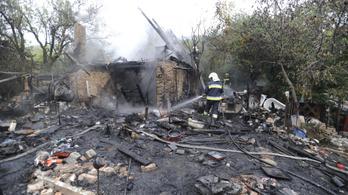 Kigyulladt egy ház Budaörsön, egy ember bennégett