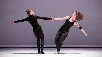 Női vallomások egy ép és egy művégtaggal élő táncostól