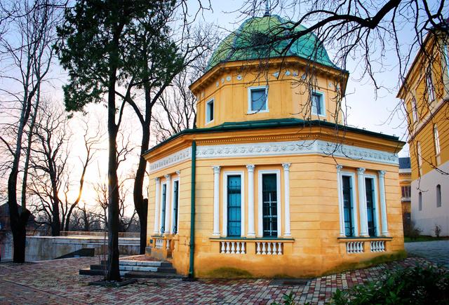 A pécsi Kioszk a város társasági és kulturális életének egyik nyüzsgő színfoltja