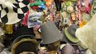 Takács Nikolas kalapjainak tervezője a Trafóban varázsol