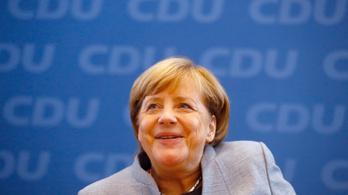 Merkel túl baloldali, túl befogadó