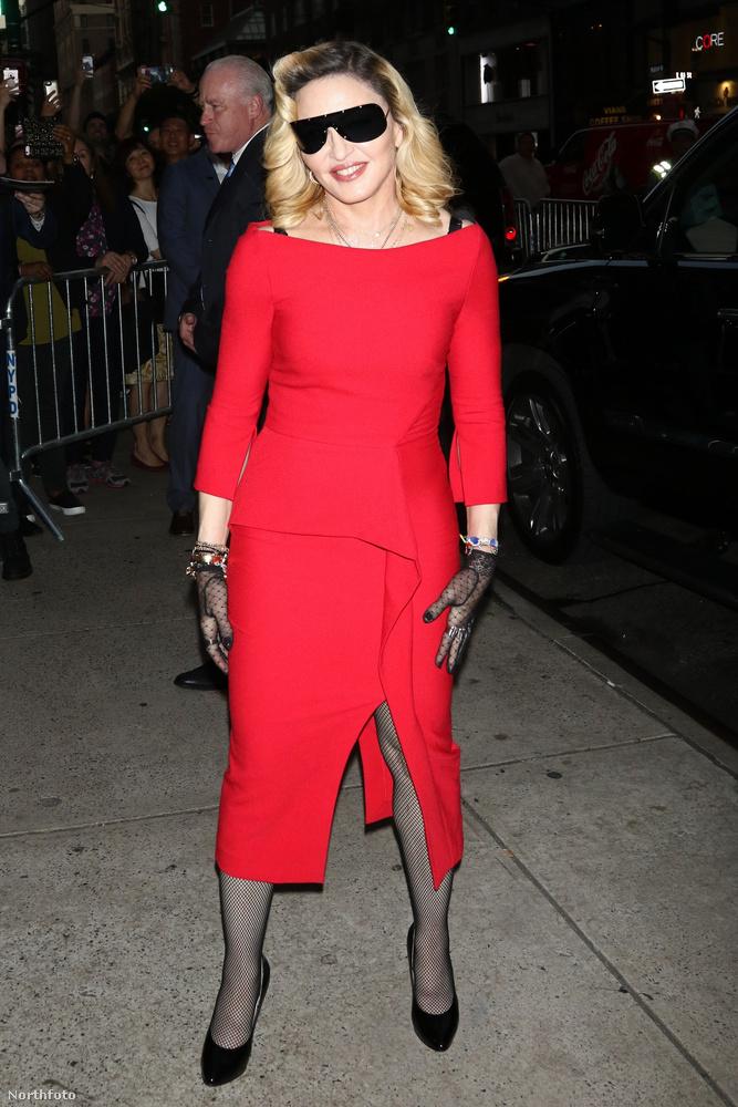Madonna (számunkra) új üzleti vállalkozásba fogott: egy kozmetikumcsaládot dobott a piacra: az MDNA Skint