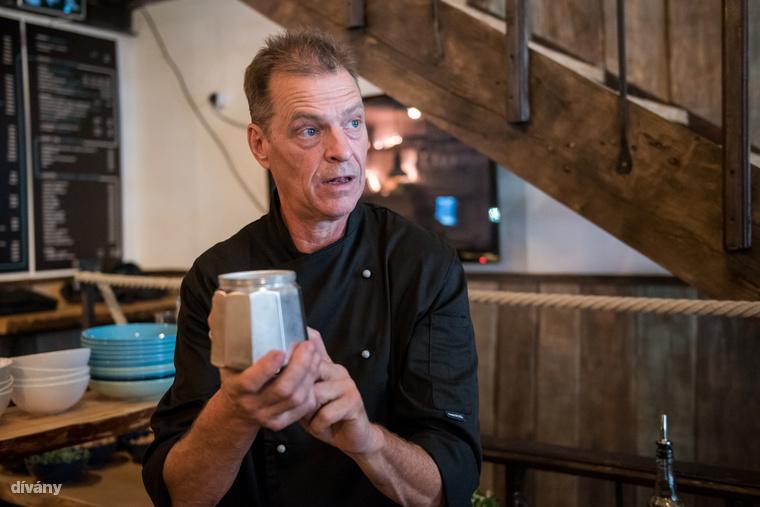 A módszert egy holland szakács, Anton van Doremalen találta ki