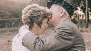 Hatvan évet kellett várni ezekre az esküvői fotókra, megérte?