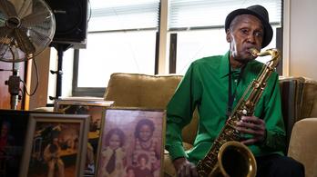 102 évesen is minden nap gyakorol a legidősebb jazzszaxofonos