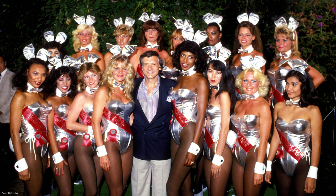 Hefner és a Playboy-nyuszik. 1983 év szép év volt, még akkor is, ha eddigre már javában működött a lap bevállalósabb és így a Playboyt folyton lépéskényszerbe hozó konkurense, az 1965-ös alapítású Penthouse. A Playboy sikeresen kultiválta azt az üzenetet, hogy nyuszinak lenni megtiszteltetés és rangot jelent, valójában klasszikus értelemben vett escortok és dekorációs tárgyak voltak a férfiak körében. 1963-ban a Show Magazine felkérte Gloria Steinemet, a korszak egyik legismertebb feministáját, hogy járja végig álnéven a nyusziválogatási procedúrát, ami pontosan olyan megalázó és felületes volt, amilyennek elképzelhetjük.