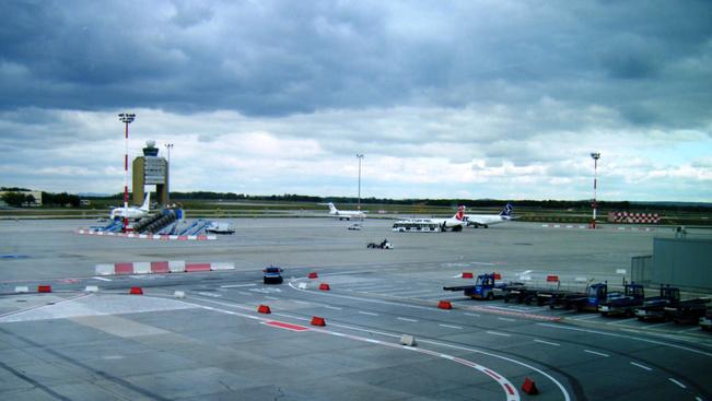 Két hétig csak egy kifutója lesz a budapesti reptérnek
