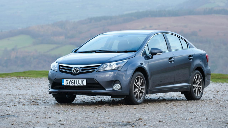 buyers guide - toyota avensis 2014 - front quarter?itok=alfFR8X9