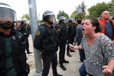 Utcai tüntetés résztvevői Sant Julia de Ramisban