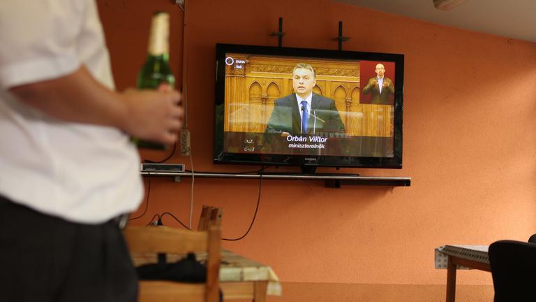 A kormány véget vetne a nagy sörgyártók uralmának a kocsmákban