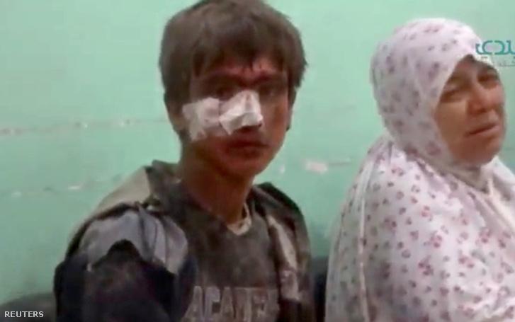 Sebesült fiú az idlibi kórházban, szeptember 29-én