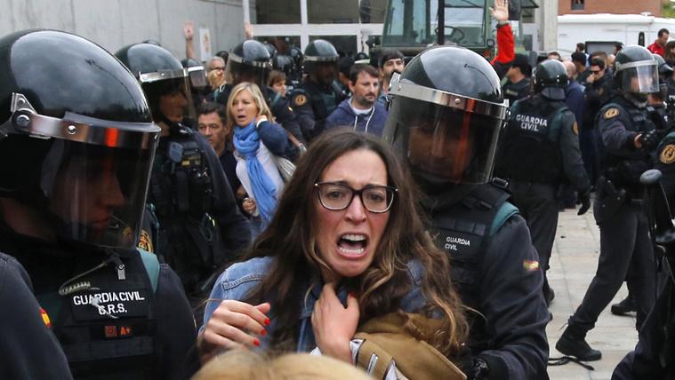 Spanyol külügyminiszter: Rendőri erőszak Katalóniában? Kamu!