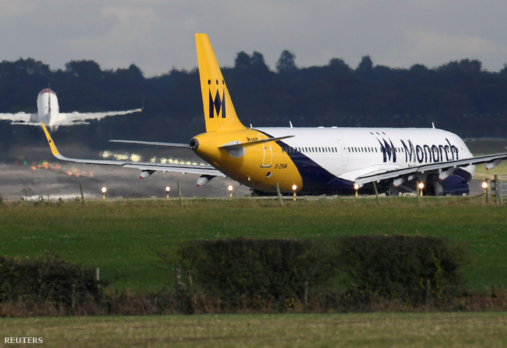 A Monarch Airbus A320 és A321 repülőgépeket üzemeltetett charter és menetrend szerinti járatain, terveik szerint jövőre kezdték volna lecserélni a gépparkot új Boeing 737-esekre