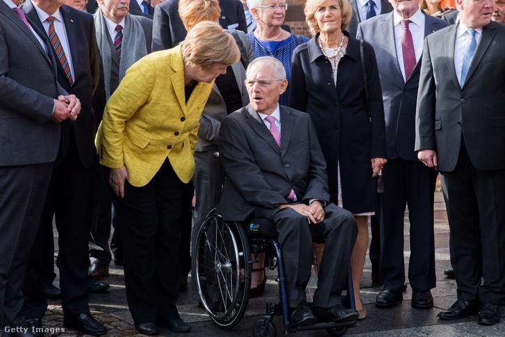 Szeptember 18-án Angela Merkel köszöntötte Wolfgang Schäuble pénzügyminisztert 75. születésnapján