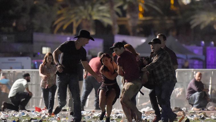 Hosszú percekig tüzelve gyilkolt hotelszobájából az átlag amerikai férfi