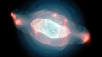 Fura dolgokat találtak a Szaturnusz-ködben