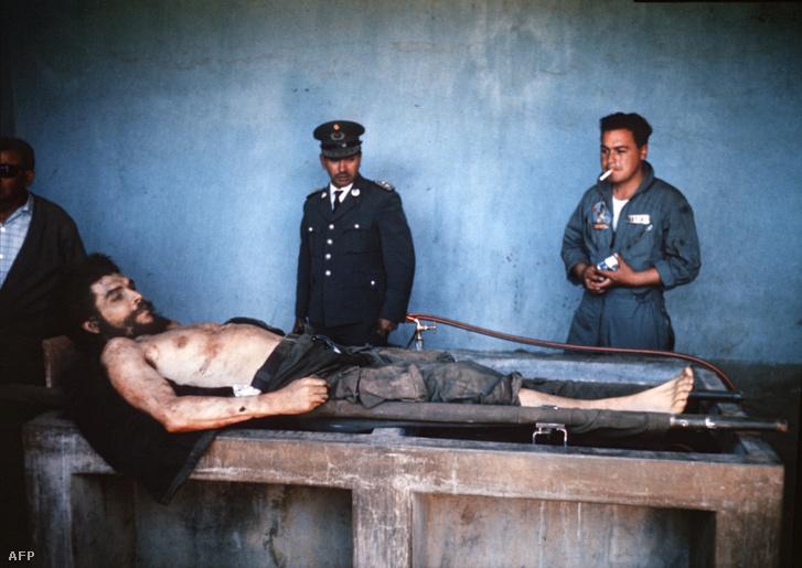 """Ernesto """"Che"""" Guevarát 1967. október 9-én végezte ki a bolíviai hadsereg, néhány évvel ezelőtt sosem látott fotók kerültek elő a holttestről. Galériáért kattintson a fotóra!"""