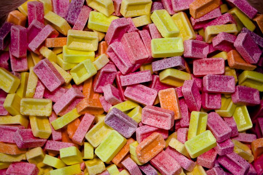 A PEZ cukorka neve a német Pfefferminz, azaz borsmenta szóból ered, története pedig 1927-re nyúlik vissza, amikor Edward Haas osztrák vállalkozó piacra dobta.