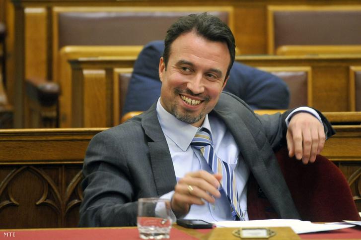 Orbán Gábor a Nemzetgazdasági Minisztérium adó- és pénzügypolitikáért felelős államtitkára a 2013-as költségvetés módosításáról szóló törvényjavaslat általános vitájában az Országgyűlés plenáris ülésén 2013. május 22-én