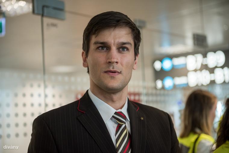 Ő pedig Oláh István, hivatásos vízilabdásként kezdte karrierjét, aztán multinál dolgozott, végül rájött...