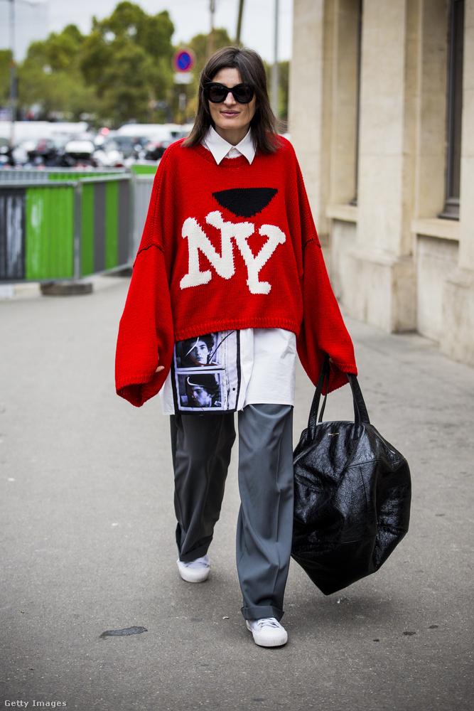 Szerették a kinyúlt pulóvereket és kényelmes nadrágokat a divatrajongók Párizsban.