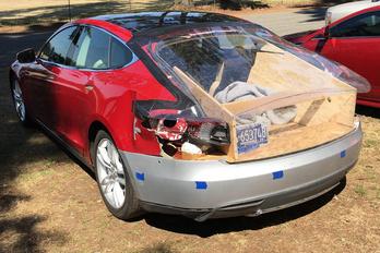 Ennyire drága lenne a Tesla alkatrész?