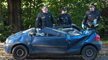 Autókra dőltek a fák, négy ember meghalt a németországi viharban