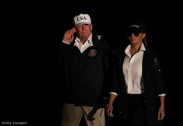 Nem a mostani az első, már augusztusban napszemüveget viselt az éj leple alatt.