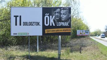 Az ügyészség is nekitámad a Jobbiknak, nyomozást rendelt el