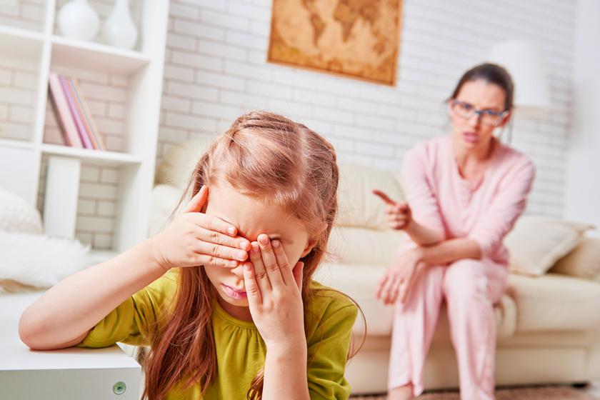 A szülőnek egy mondat, de a gyerekben lelki sérülést okoz: rossz pillanatban is tabu
