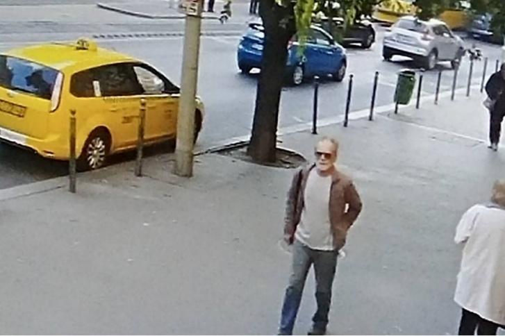 Frissítés: A rendőrség tévesen erről a férfiről adott ki fotót a körözéshez. A képen látható férfiről kiderült, hogy nem volt köze az esethez.