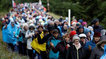 Több ezer kilométeres imalánc alakult Lengyelországban