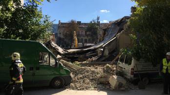 Összedőlt egy épület a Tüzér utcában