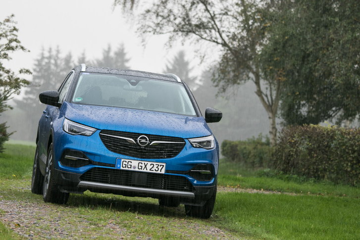 Elölről abszolút Opel, ez nem vitás