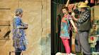 Amikor gyerek és szülő ugyanúgy élvezi a színházat: Túl a Maszat-hegyen
