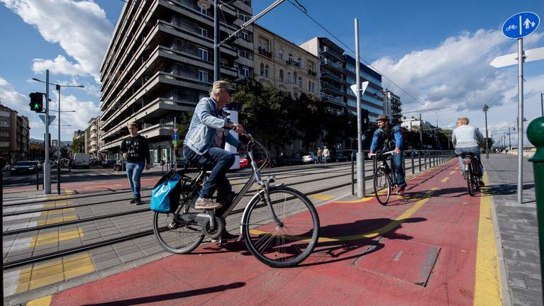 10 elfuserált bringás fejlesztés Budapesten