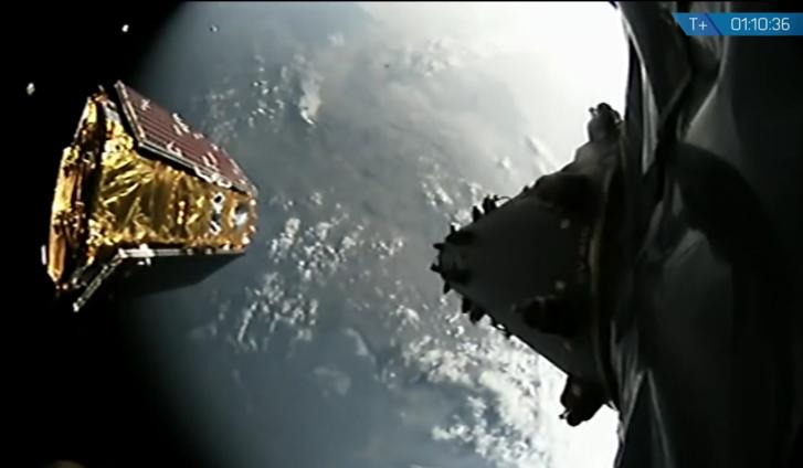 A 9. műhold pályára áll
